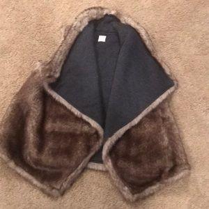 Mission faux fur vest